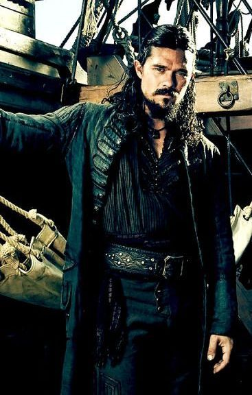 792c38c96cdc8e070cee21a248c49087-pirate-garb-luke-arnold-black-sails